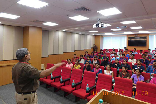 CybageKhushboo organizes first session for new scholars